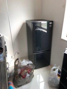 富山市不用品回収の冷蔵庫周辺写真