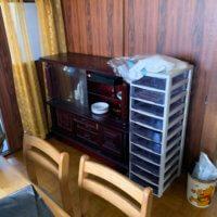富山県富山市一軒家の不用品回収現場、サイドボードの写真