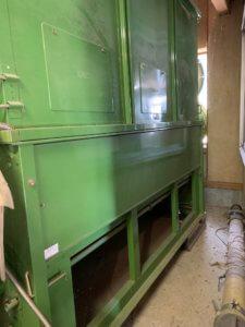 富山県農機具の解体現場写真