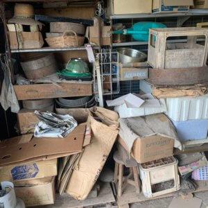 富山県富山市、車庫内の不用品回収現場写真